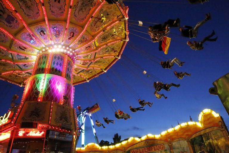 Fairground rides at the festival © Courtesy Stadt Bad Dürkheim