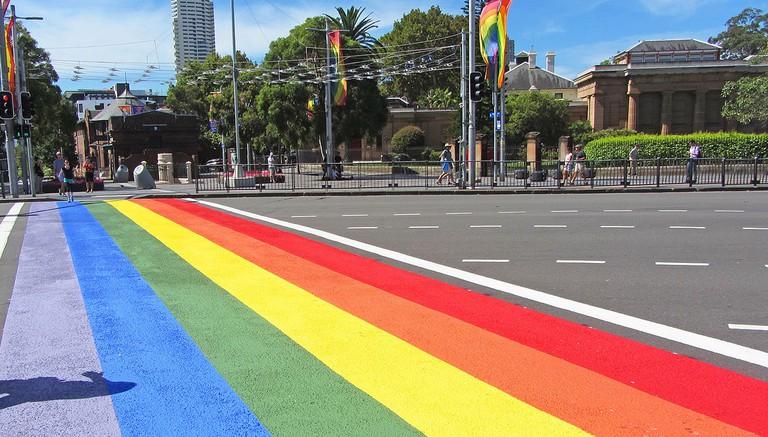 Rainbow crossing in Darlinghurst © Newtown graffiti/Flickr