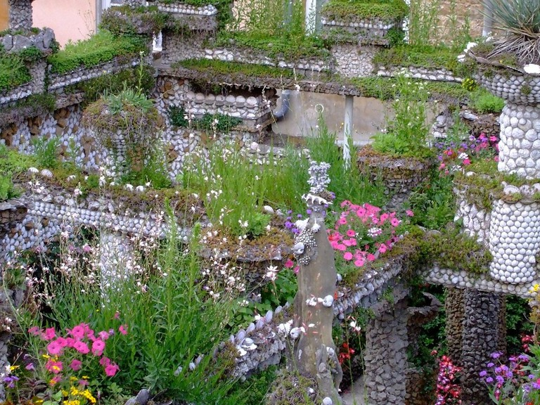 Rosa Mir Gardens