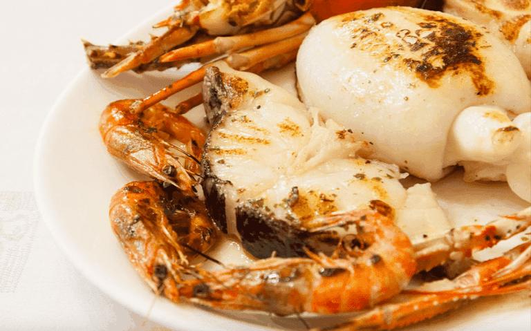 Seafood a la brasa at Can Culleretes