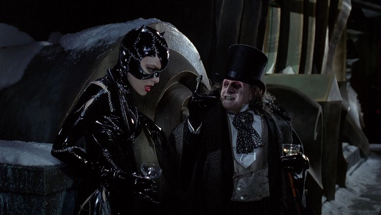 Selina_Kyle-Catwoman_(played_by_Michelle_Pfeiffer)_Batman_Returns_130
