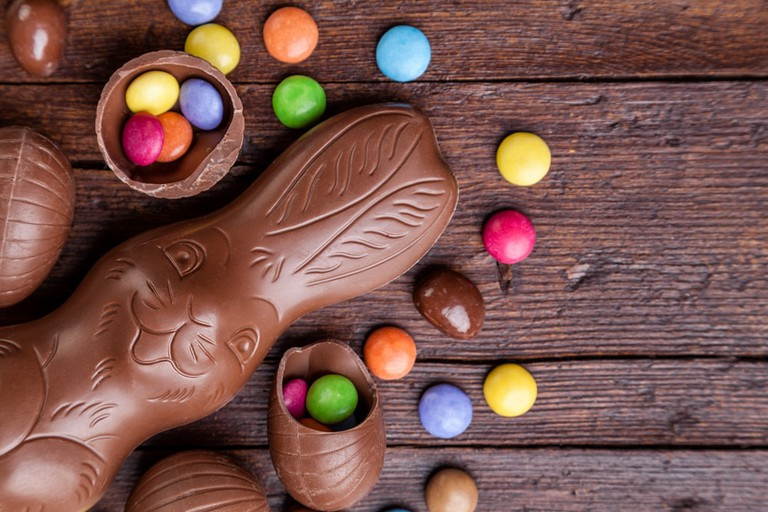 Delicious chocolate easter eggs and sweets | © And-One/Shutterstock