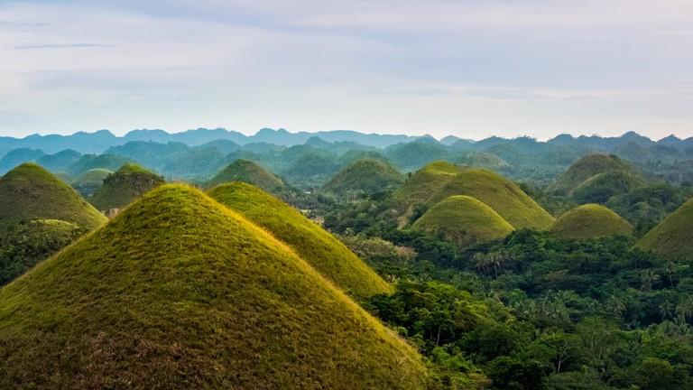 Chocolate Hills | © Puripat Lertpunyaro / Shutterstock
