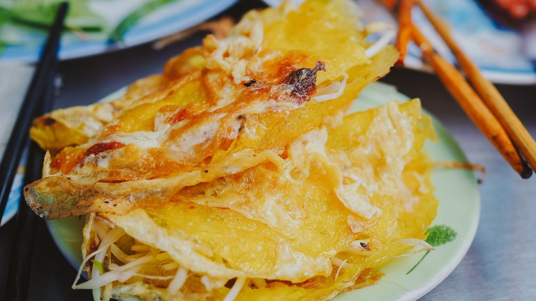 Vietnamese rice pancake in Hoi An, Da Nang