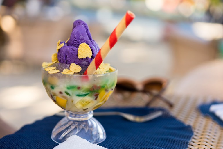 Halo-halo with wafer stick