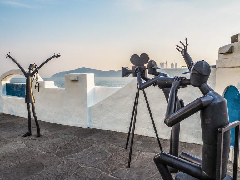 Sculptures in Santorini Square, Cinema Street