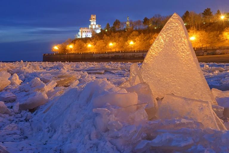 Frozen Amur river. Khabarovsk. Amur Cliff. Far East, Russia | © Konstantin Baidin/Shutterstock