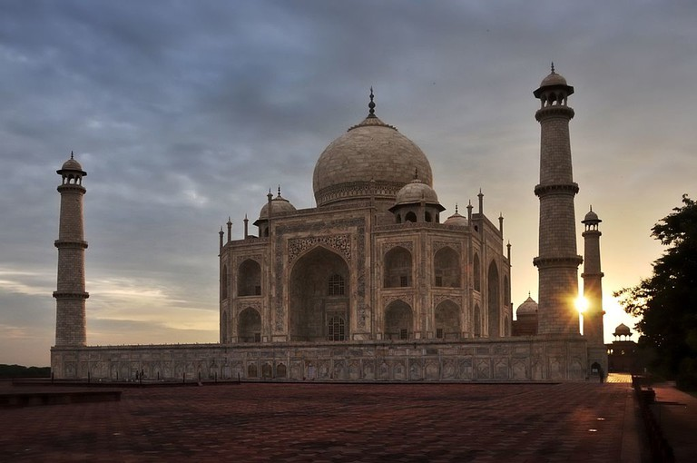 Sunrise at Taj.v1