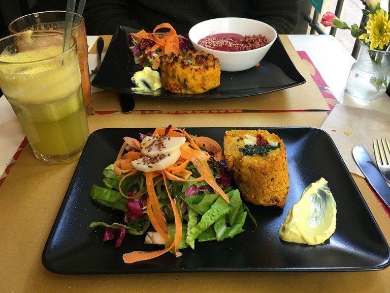 The colourful food at Vitaminas 24