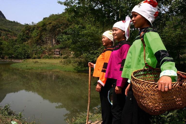 1024px-Ethnic_Zhuang_Costumes_Guangnan_Yunnan_China