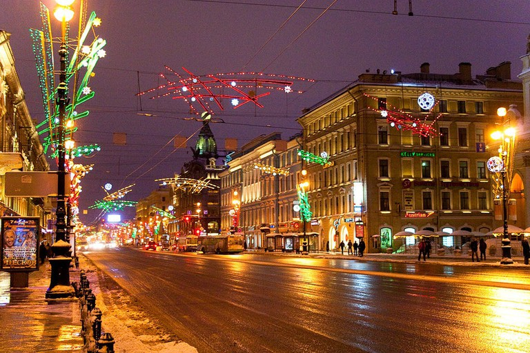 https://commons.wikimedia.org/wiki/File:Night_Nevskiy_Flickr.jpg