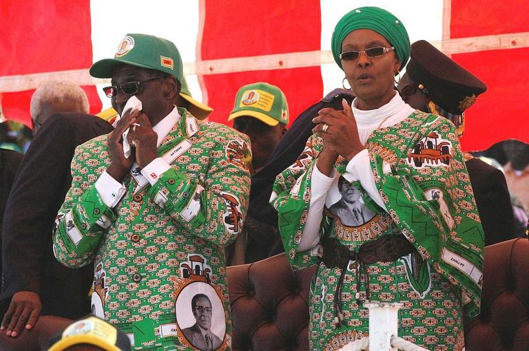 1200px-Grace_Mugabe_with_Robert_Mugabe_2013-08-04_11-53