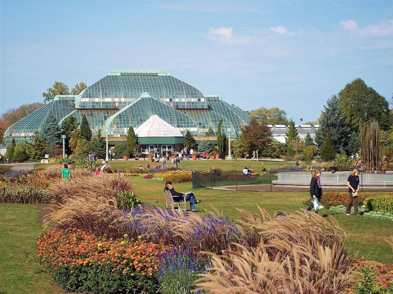 1200px-Lincoln_Park_Conservatory