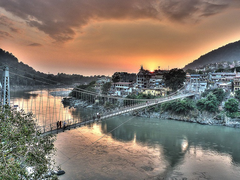 1280px-Rishikesh_-_Lakshman_Jhula