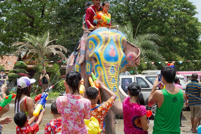 1280px-Songkran_7_-_Ayutthaya