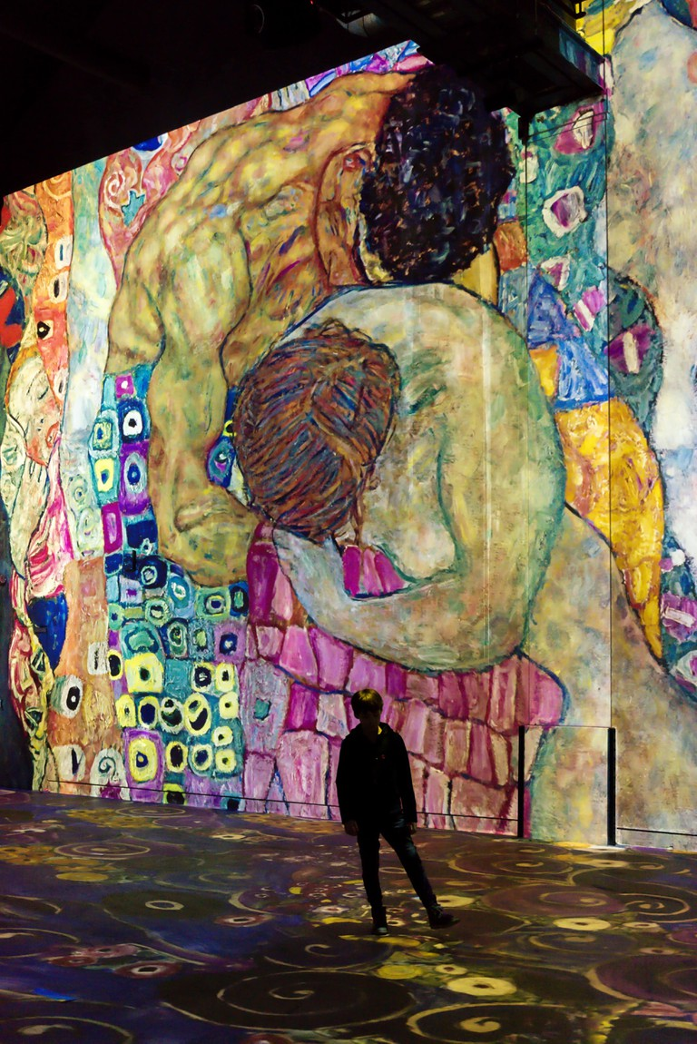 Klimt's artworks displayed at Atelier des Lumieres