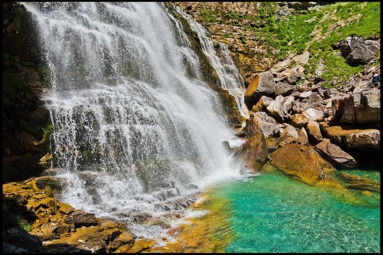 Cola de Caballo Waterfall, Parque Nacional Ordesa y Monte Perdido, Spain14703149368_b8ba84f2b3_k