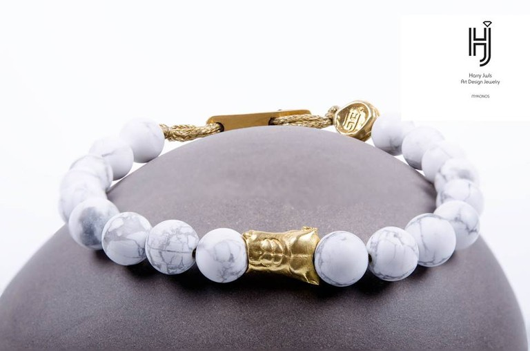 The body of Kouros Bracelet Bead by Harry Jwls