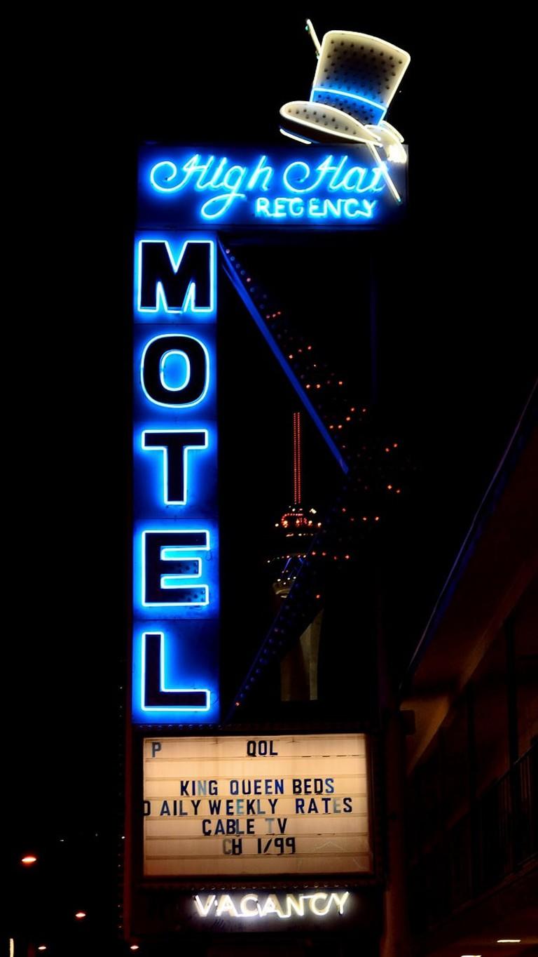 High-Hat-Regency-Motel