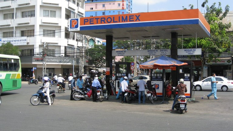 Gas_Station_Vietnam