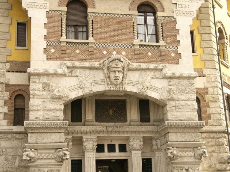 The facade of Palazzo del Ragno
