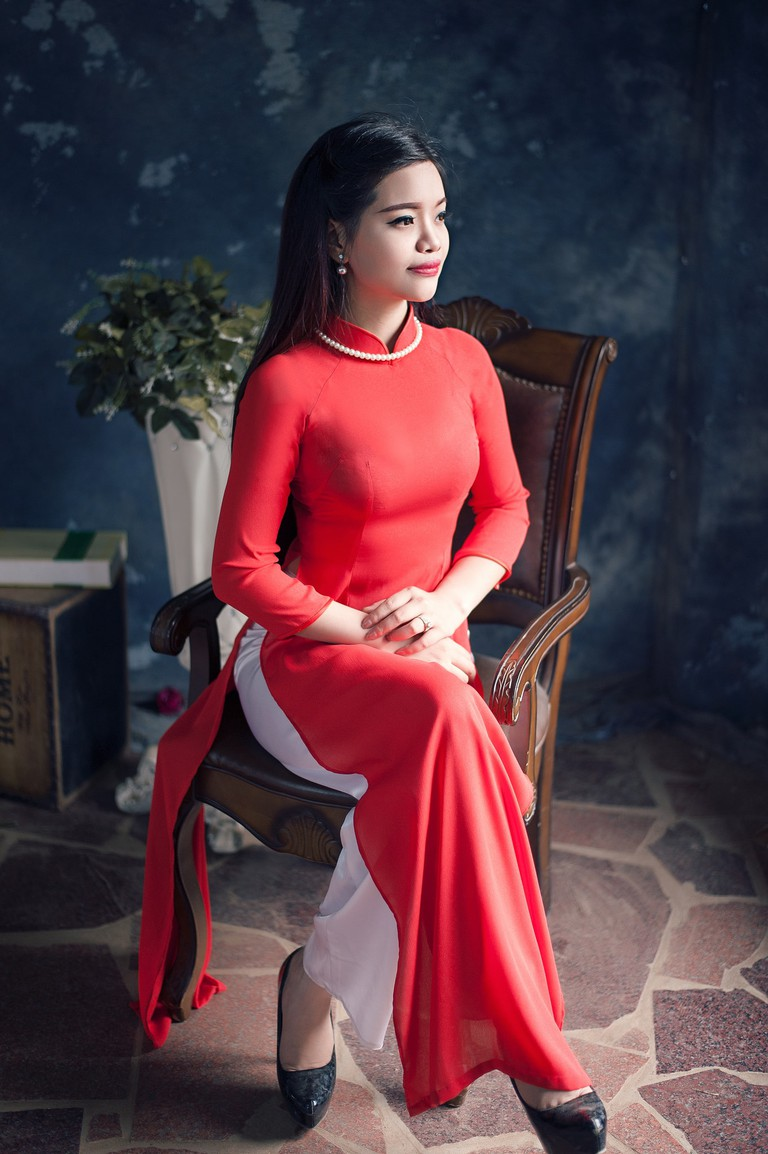 Vietnamese woman wearing an ao dai