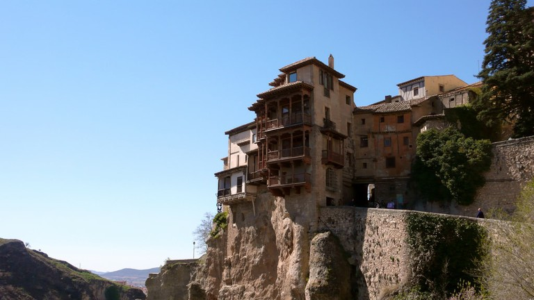 Visit the amazing Hanging Houses of Cuenca in Spain