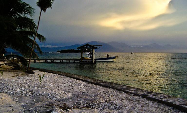 Sunset at Cayo Cochinos, Honduras