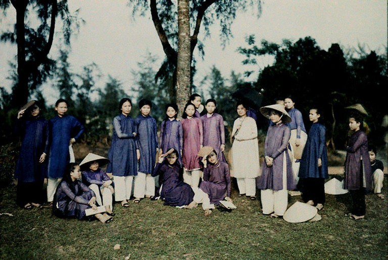 A group of students posing for a picture in Hue, 1931