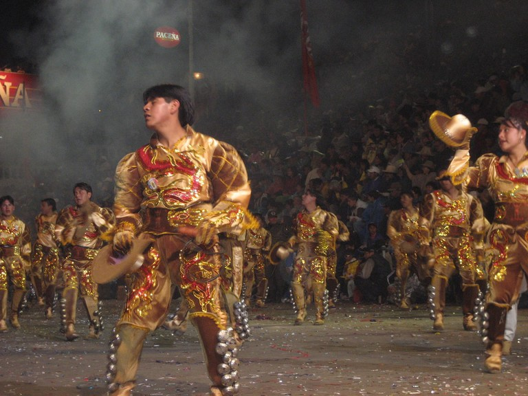 Golden dancers at the Oruro carnival