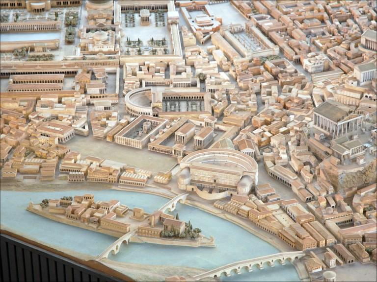 Il plastico di Roma includes Tiber Island