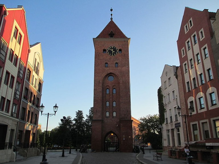 800px-Elblag,_Clock_tower