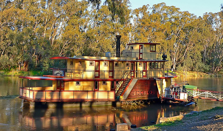 Emmylou, a paddlesteamer on the Murray River