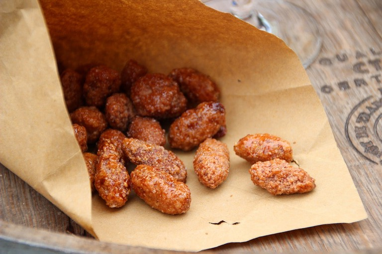 Roasted almonds, a snack for any occasion