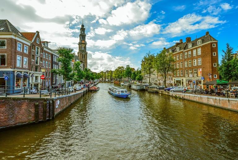 amsterdam-1978336_1920