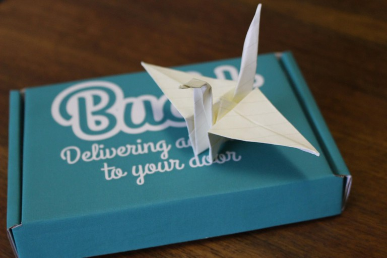 Buckt box with origami swan challenge
