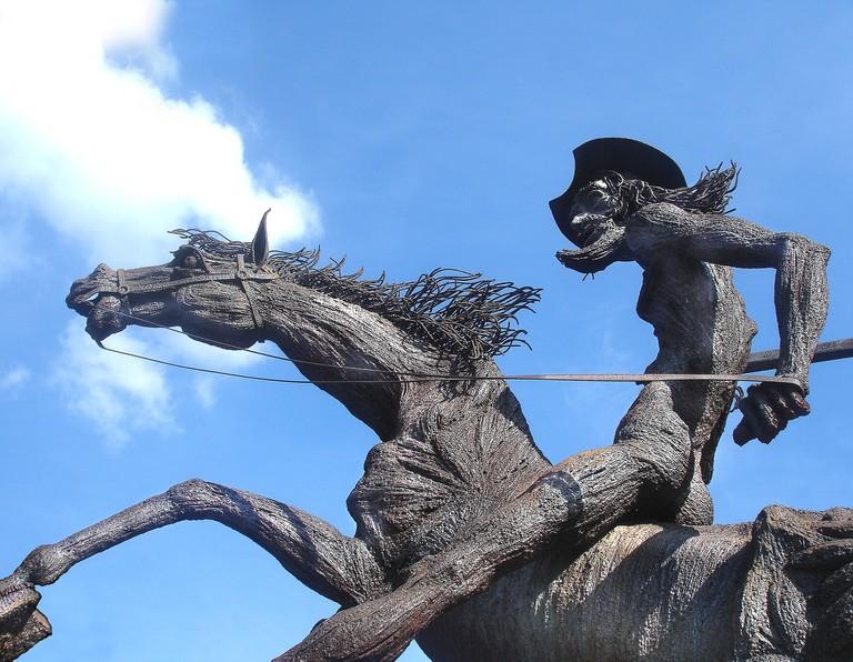 don-quixote-statue-677914_1920