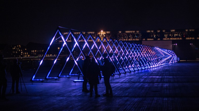 The Wave, interactive installation