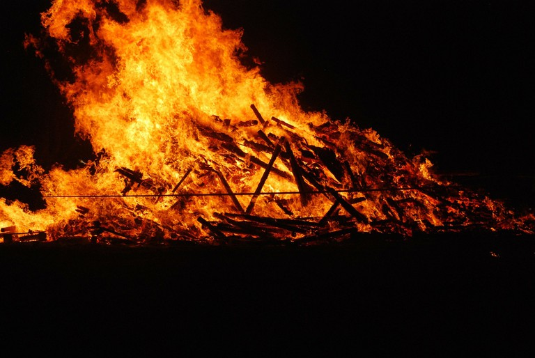 The practice of sati required widows to jump into the funeral pyre of their husbands