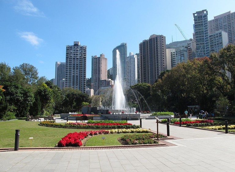 Hong_Kong_Zoological_and_Botanical_Gardens_Fountain_Terrace_Garden_2012