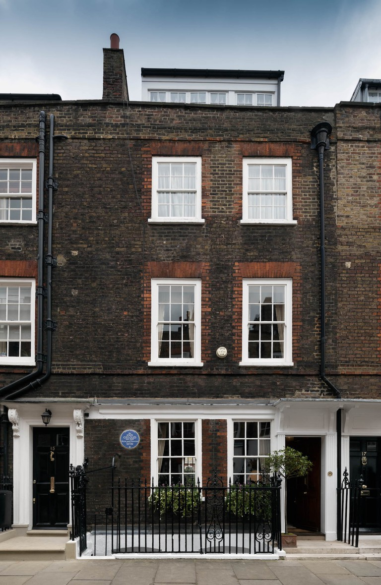 Sir John Gielgud's house is located on Cowley Street