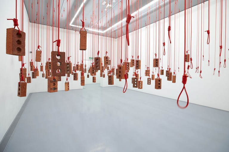 Kendall Geers:Hanging Piece
