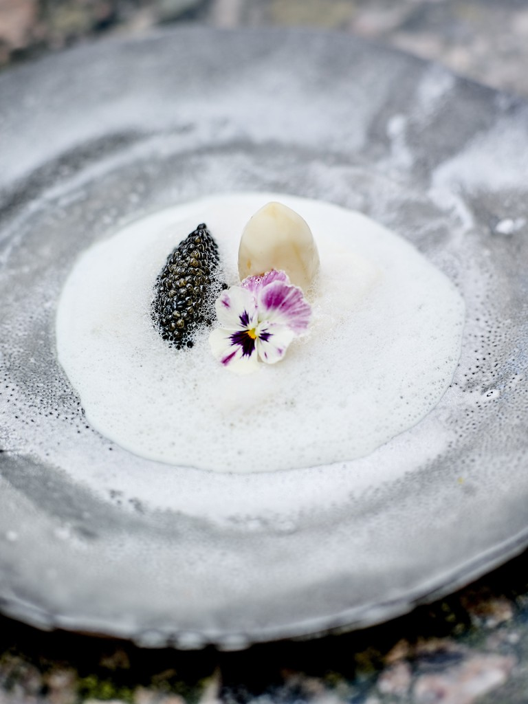 Le Cinq @Jean-Claude Amiel - Line-fished sea bass caviar, buttermilk from my childhood (2)-min