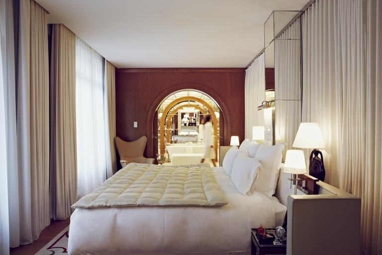 Le-Royal-Monceau-Raffles-Paris-Signature-Suite-2