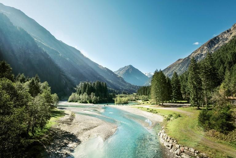 LOWRES_00000033072_Naherholungsgebiet-Klaus-Aeuele_TVB-Stubai-Tirol_Andre-Schoenherr - Edited