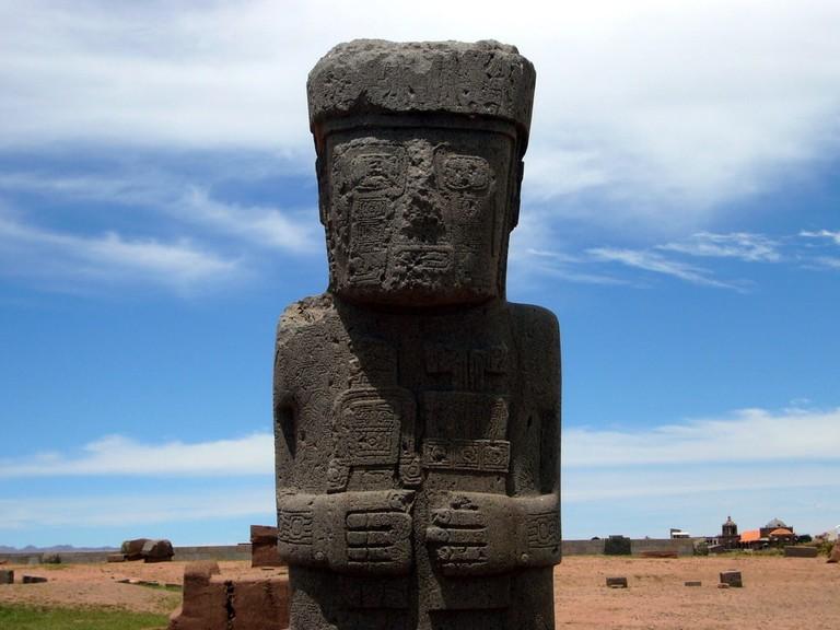Monolith statue