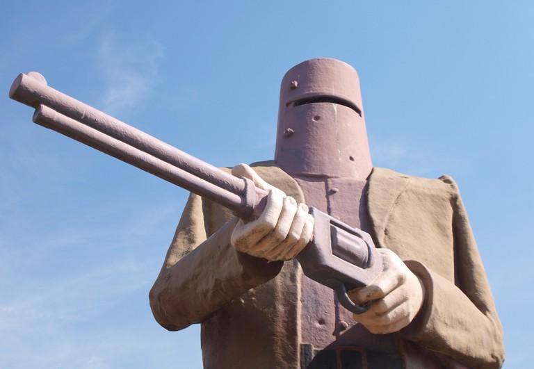 Ned Kelly statue in Glenrowan © NomadicPics / Flickr