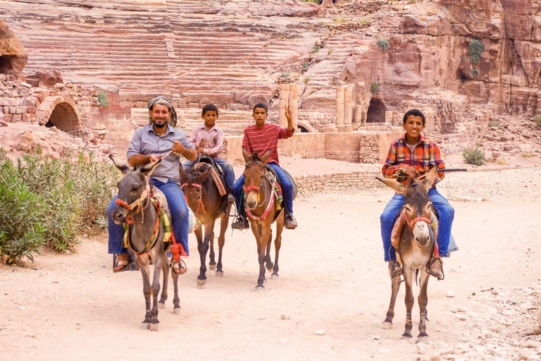 Petra-Jordan-Theater-Bedouin_donkeys