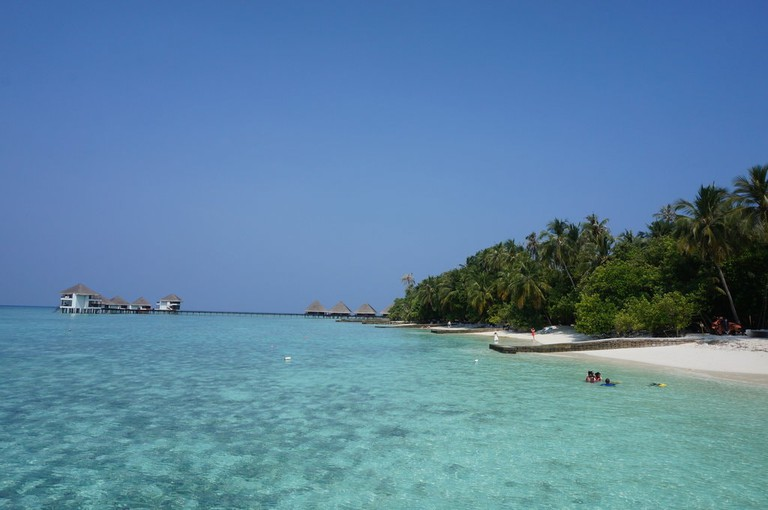 Take a day trip to one of the resort islands such as Adaaran Club Rannalhi.