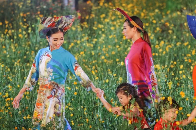 AODAI FASHION SHOW-HUE FESTIVAL-HUE-VIETNAM